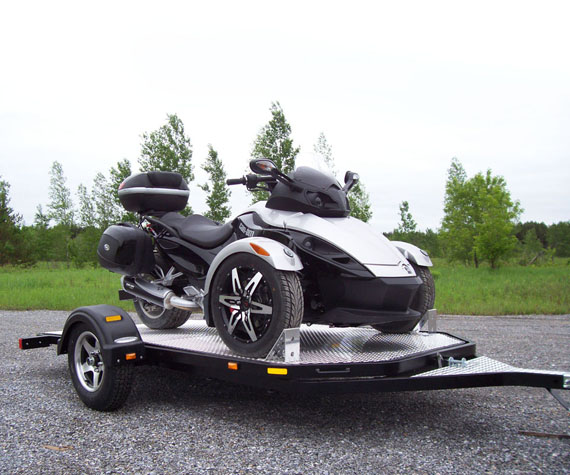 The first variation on the HT50, simply wider to accommodate larger vehicles like golf cart, UTV's and Spyder's. There is also the possibility to add an extra axle any time you wish, it's simply bolted on.